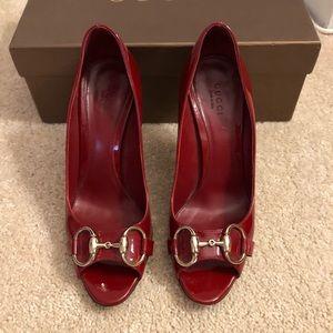 Gucci red peep toe